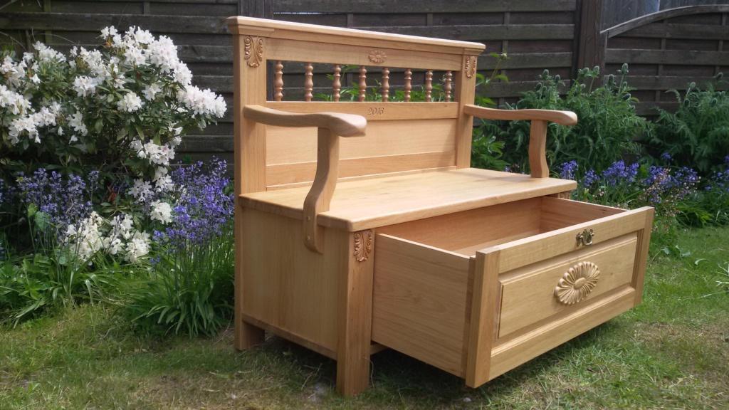 Landhausmöbel Sitztruhe mit Stauraum gefertigt von Tischlerei Brasch aus Marne an der Nordsee 1