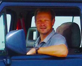 Tischlermeister Stephan Brasch von der Möbelwerkstatt Lorenz in Marne bei Friedrichskroog