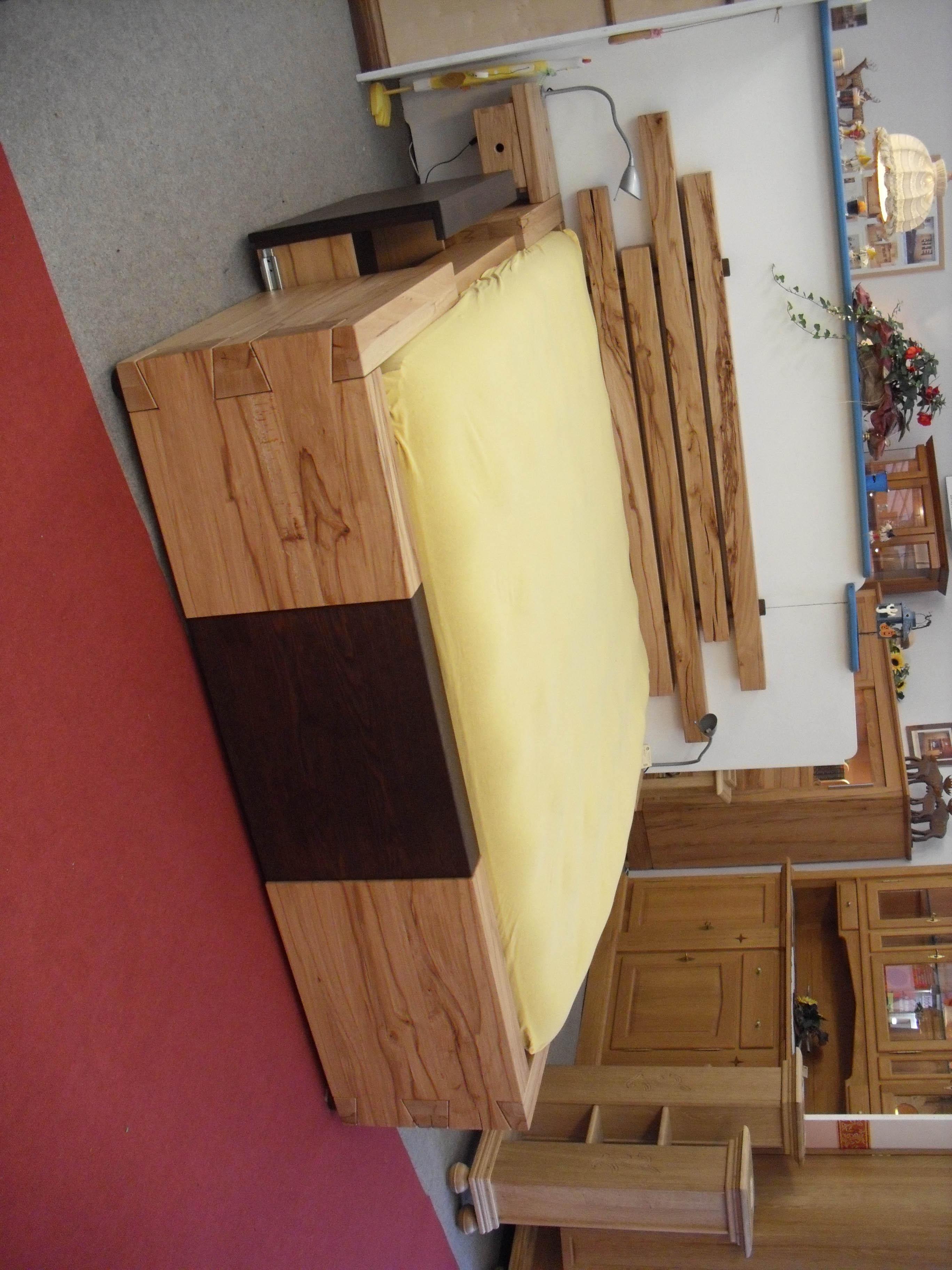 Moderne Möbel Bett zum Wohlfühlen - Tischlerei Brasch fertigt auch für Hamburg